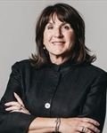 Photo of Lisa Perry