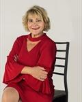 Photo of Leslie DeLuca