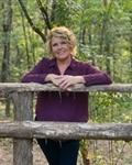 Photo of Mandi Roberts