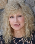 Photo of Liz Dobbins